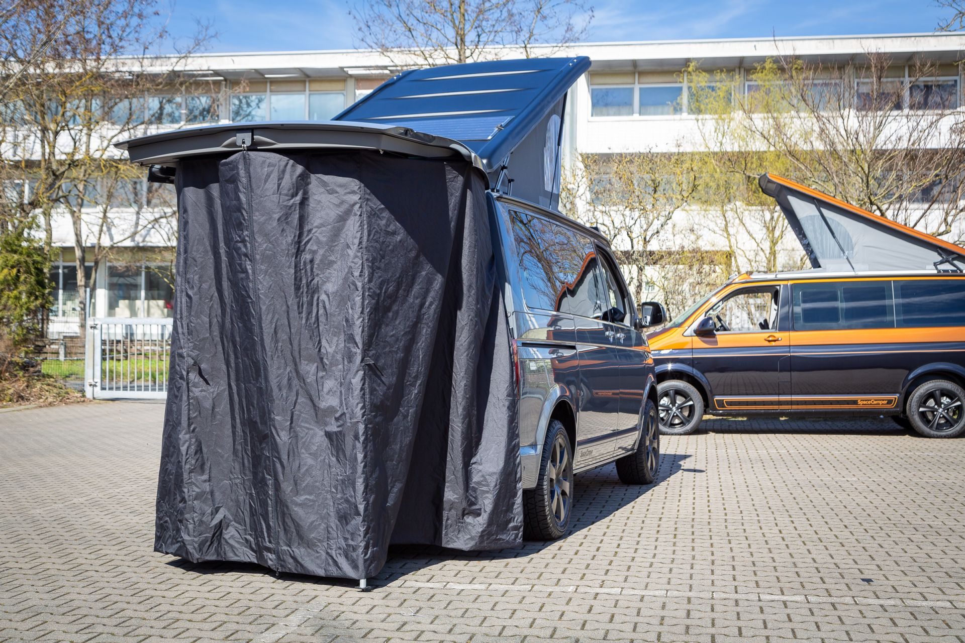 heckzelt der spacecamper vw t6 camping ausbau. Black Bedroom Furniture Sets. Home Design Ideas